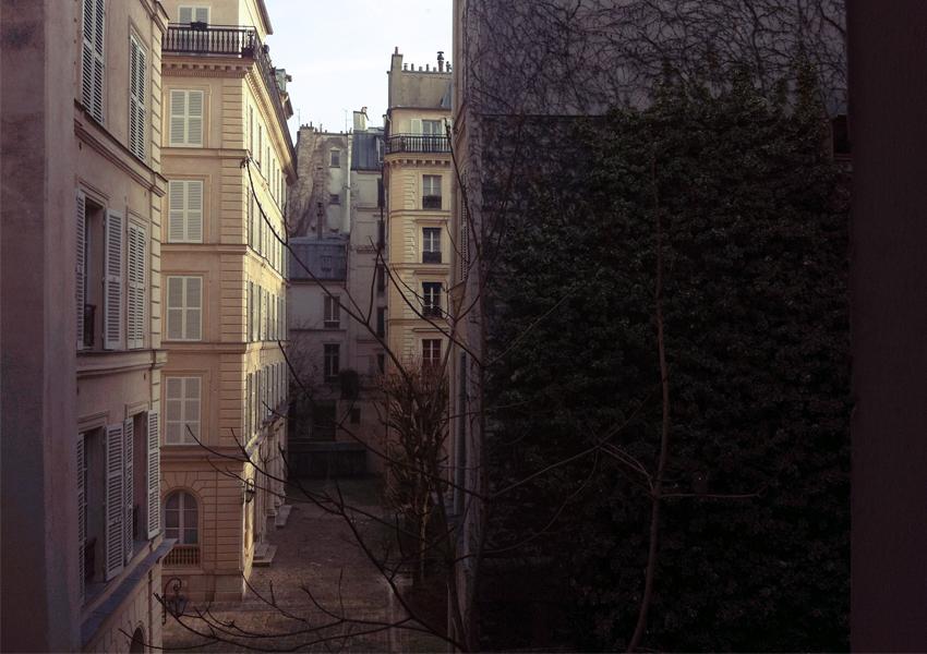 PARIS_TABLE_02